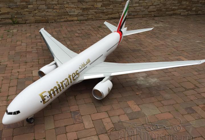 Boeing 777 rc model